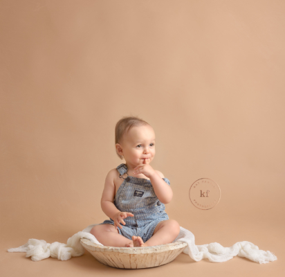 north_branch_first_birthday_photoshoot_baby_milestone_toddler_kat_fantin_beige_bowl