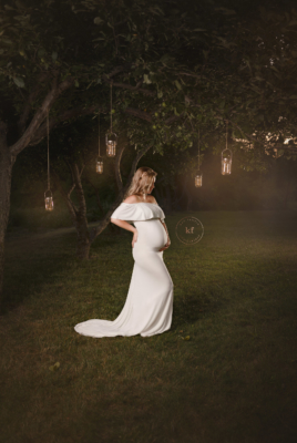 lapeer_maternity_photographer_session_whimsical_lanterns_white_dress_ethereal_pregnant_pregnancy_announcement